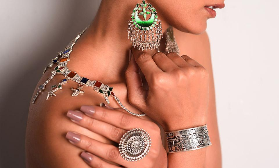 52db36f1886780 Buy Scintillating Silver Sangeeta Boochra Make every day stylish with  tribal silver jewelry Online at Jaypore.com