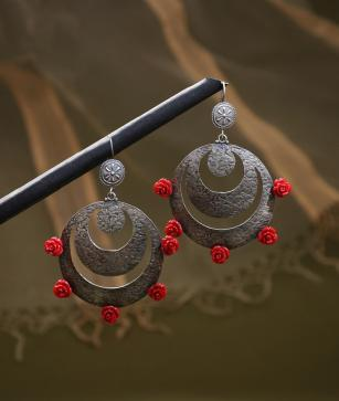 Sangeeta Boochra and Dev Crafts