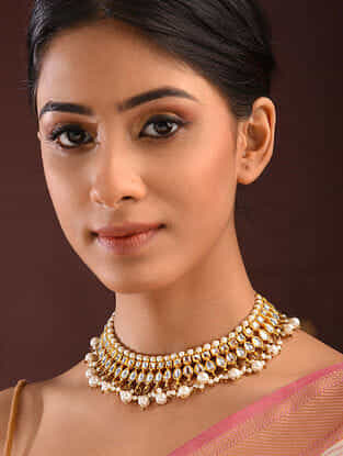 Gold Tone Kundan Necklace With Pearls