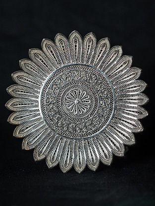 Handcrafted Silver Filigree Sunflower Tray (H-4.75in, W-4.75in)