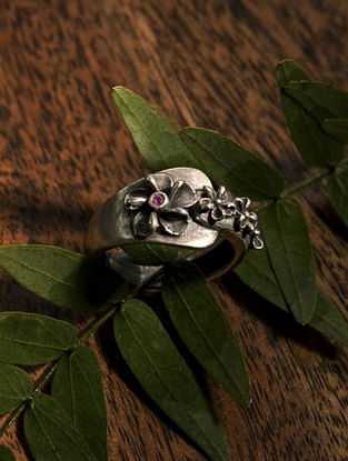 Tribal Silver Ring (Size: 18)