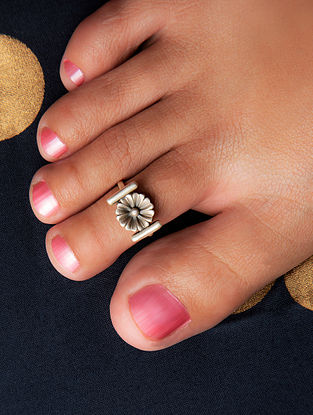 Tribal Silver Toe Ring (Single Piece) (Size: Adjustable)