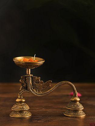 Brass Aarti Diya (L-6in, W-2.5in,H-4.7in)