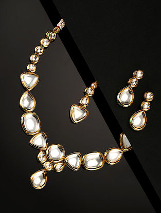 Gold Tone Kundan Necklace With Earrings And Maangtikka