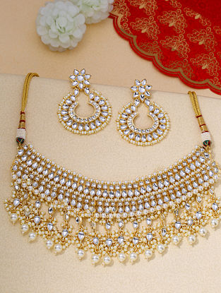 White Gold Tone Kundan Necklace And Earrings With Pearls