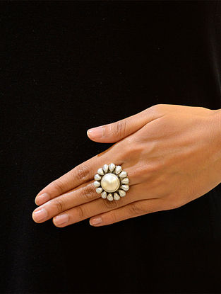 Sterling SilverAdjustable Ring with Pearls
