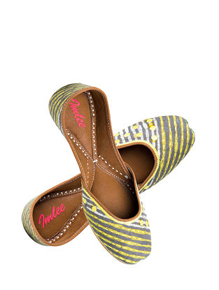 Grey Yellow Handcrafted Suede Leather Juttis