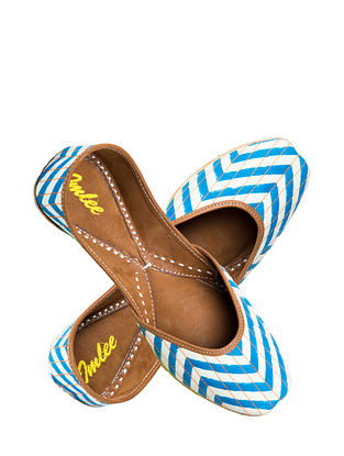 Turquoise Handcrafted Suede Leather Juttis