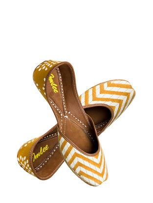 Mustard Handcrafted Suede Leather Juttis