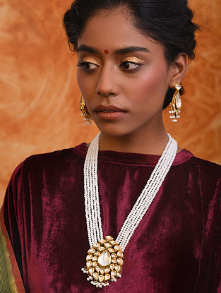 White Gold Tone Kundan Necklace With Earrings