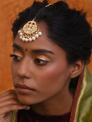 Gold Tone Kundan Maangtika With Pearls