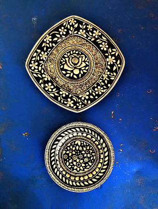 Black On White Handcrafted Wall Plates (Set Of 2)