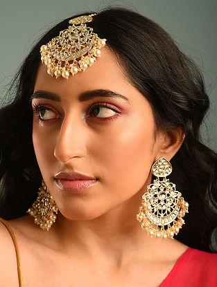 Gold Tone Kundan Earrings With Maangtikka
