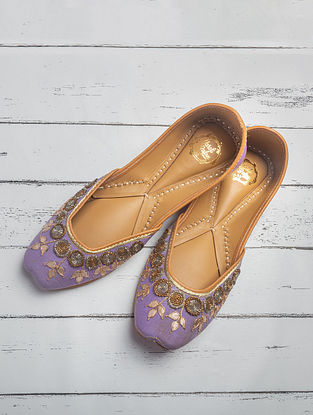 Purple Handcrafted Heavy Linen Juttis