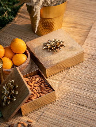 Natural Wood And Gold Afreen Box(Dia-6.5in ,H - 3in)