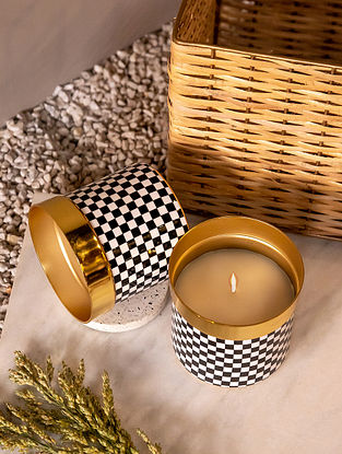 Gold Plaid Candle(Dia- 5in ,H - 5in)