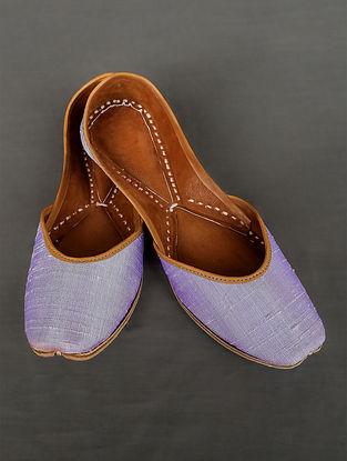 Lavender Handcrafted Silk Leather Juttis