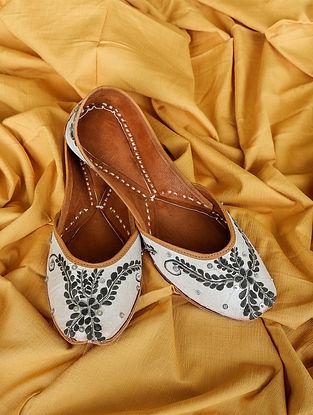 Black White Handpainted Silk Leather Juttis