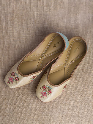 Light Gold Hand Embroidered Raw Silk Juttis