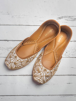 White Handcrafted Raw Silk Juttis