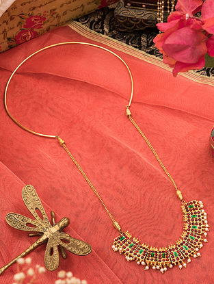 Green Red Gold Tone Temple Necklace With Pearls