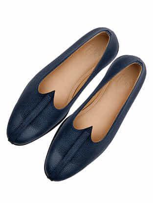 Blue Handcrafted Leather Juttis for Men