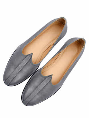Grey Handcrafted Leather Juttis for Men