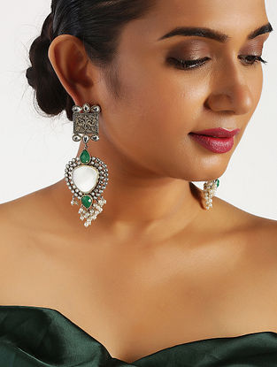 Green Onyx Tribal Silver Earrings with Pearls