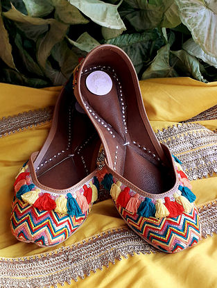 Multicolored Handcrafted Silk Leather Juttis