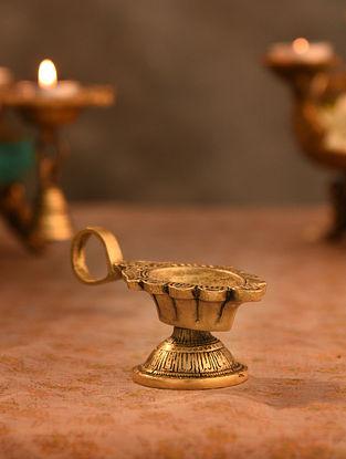 Brass Aarti Diya (L- 4.6in, W-2.3in, H-2.2in)