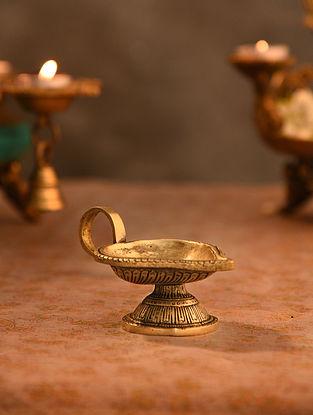Brass Aarti Diya (L- 4.5in, W-2.6in)