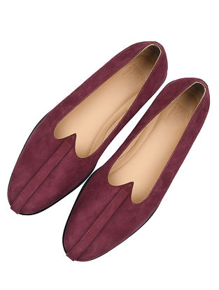 Maroon Handcrafted Leather Juttis For Men
