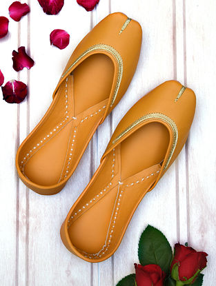 Mustard Handcrafted Leather Juttis