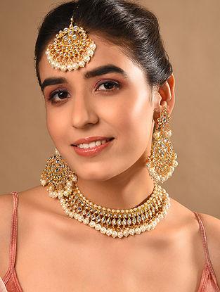 Gold Tone Kundan Necklace And Earrings With Maangtikka
