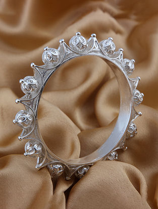 Filigree Silver Bangle (Size: 2.5)