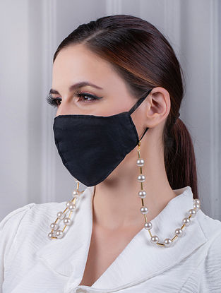 Cream Gold Tone Handcrafted Mask Chain With Pearls