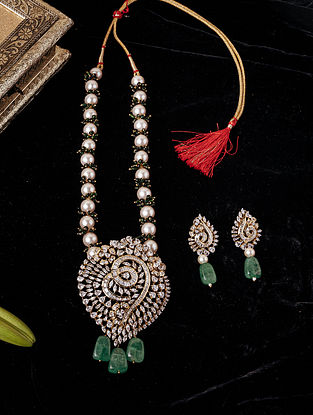 Green white Gold Tone Beaded Necklace With Earrings
