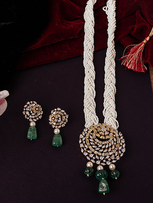 white Green Gold Tone Necklace With Earrings