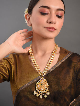White Gold Tone Kundan Necklace With Pearls