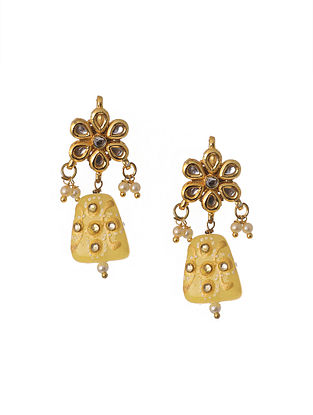 Cream Gold Tone Kundan Earrings