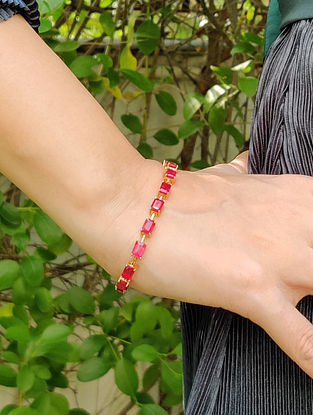 Red Gold Link Bracelet with Ruby
