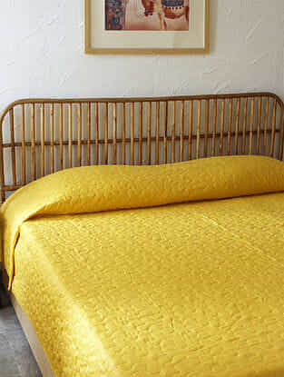 Yellow Suryamukhi Double Bedcover (L-108in ,W-90in)