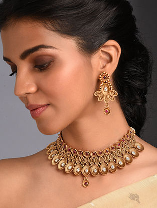 Red White Gold Tone Kundan Necklace With Earrings