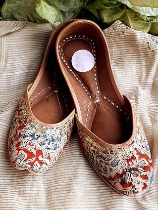 Multicolored Kalamkari Printed Cotton Leather Juttis