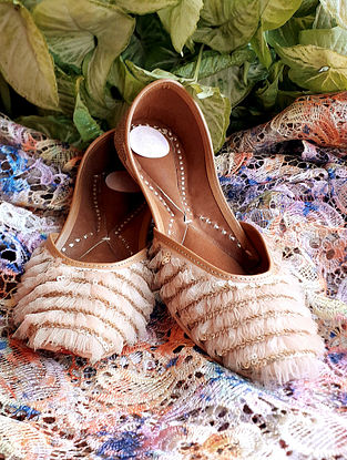 Nude Pink Handcrafted Net Leather Juttis