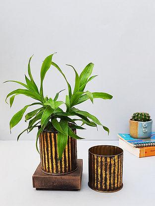 Black And Gold Metal Ribbed Desk Planter Set (Set Of 2)