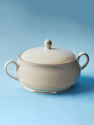 Off White Porcelain Handcrafted Casserole (Dia-7.5in ,H-5.5in)