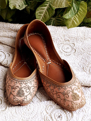 Grey Tilla Embroidered Mulberry Silk Leather Juttis