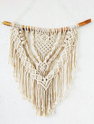 Off White Macrame Wall Hanging (L-18in)