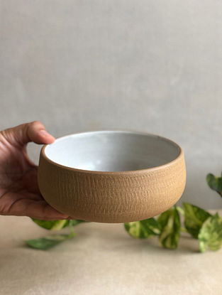 Speckled White Handcrafted Stoneware Prthvi Salad Bowl (Dia-6in,H-2.4in)